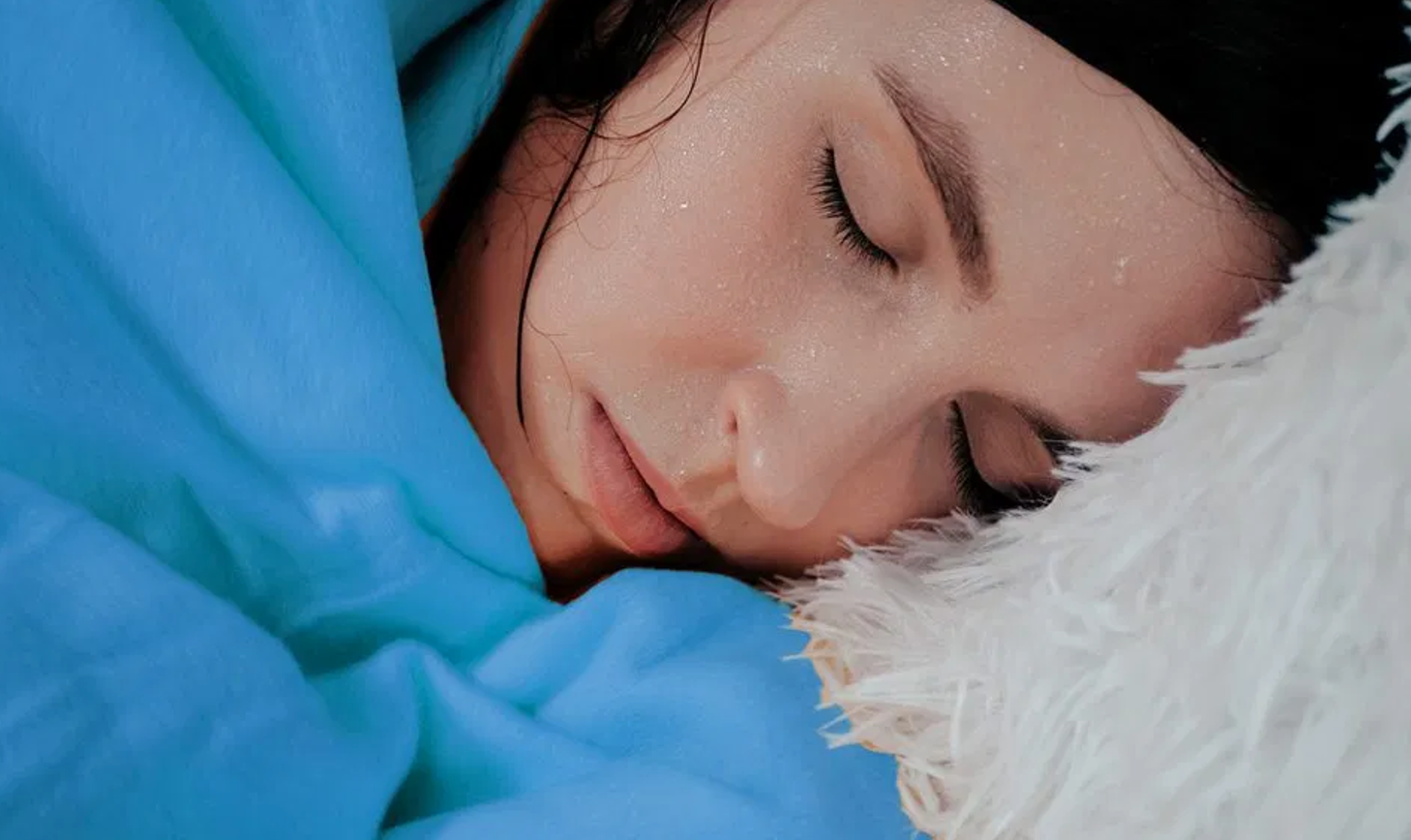 Woman sleeping on a Mattress